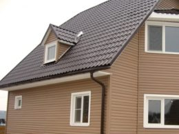 коричневая металлочерепица крыша