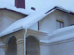 металлочерепица зимой