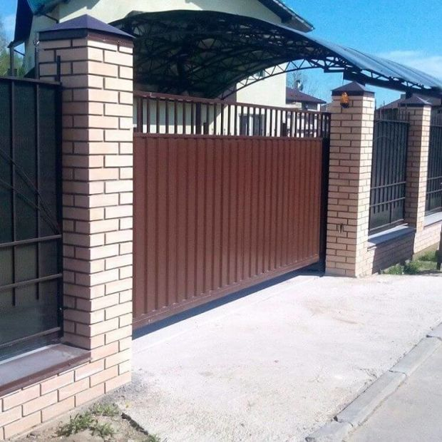 Ворота раздвижные коричневые